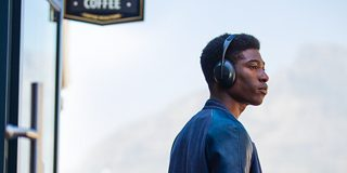 Bose Noise Cancelling Headphones 700 ‑kuulokkeet ja