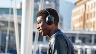 Bose 700 Bluetooth Noise Cancelling Headphones
