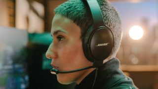 Gamer wearing QuietComfort 35 II Gaming Headset