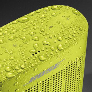 Water resistant SoundLink Color II covered in water drops
