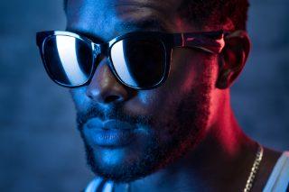 Man wearing Bose Frames Soprano